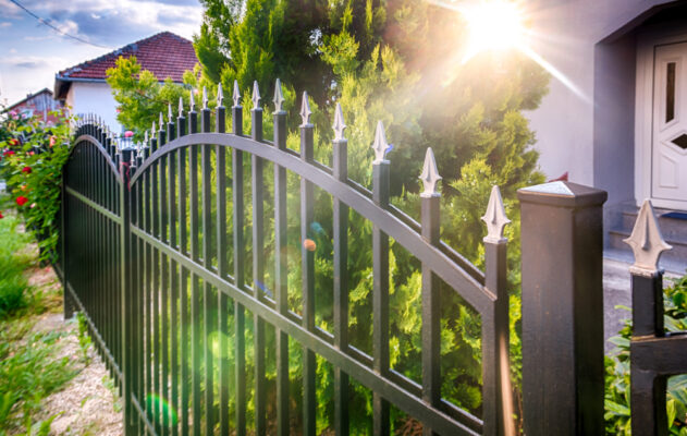 How to Preserve the Life of Iron Fences